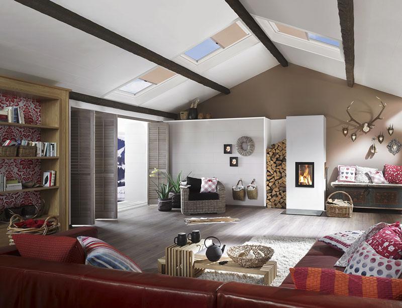 Zimmer mit einem Dachfenster der Firma Roto eingebaut von Jordan bedachungen