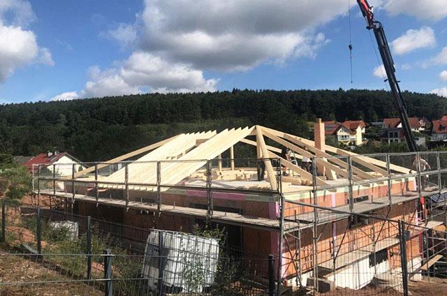 Dachstuhl Bauarbeiten Spitzdach